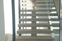 1. FLOATING STAIRCASE straight flight with Wood Finish - Construction